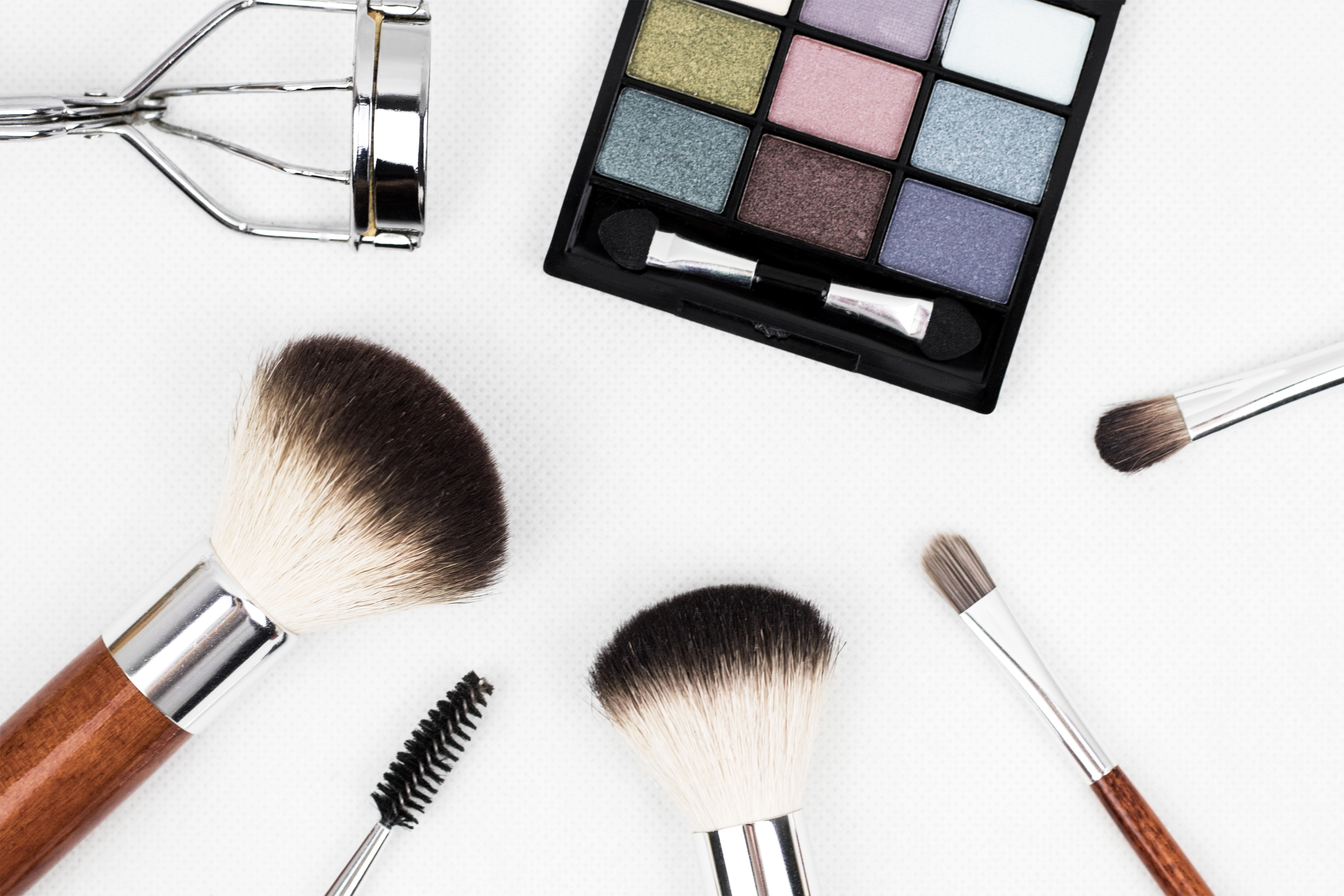 Beauty Essentials For Beginners And How To Use Makeup Right
